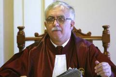 Certificat de handicap cu INCAPACITATE DE MUNCĂ şi venituri de 300 de milioane lei vechi pentru Augustin Zegrean, preşedintele Curţii Constiţionale