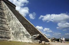 Mayaşii moderni, total neimpresionaţi de psihoza sfârşitului lumii