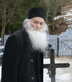 Părintele Justin Pârvu a murit. Marele duhovnic va fi înmormântat joi în incinta Mănăstirii Petru Vodă
