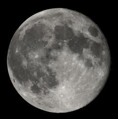 Faţa ascunsă a Lunii: Cercetătorii americani au descoperit indicii ale EXISTENŢEI APEI pe satelitul natural al Pământului