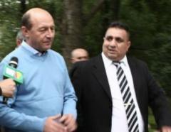 Carneţelul lui Bercea Mondial: Traian Băsescu, 6 miliarde de lei vechi, sponsorizare campanie electorală 2009