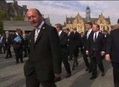 VIDEO. Traian Băsescu la BRUXELLES: Preşedintele României mai avea puţin şi era evitat şi de covorul roşu