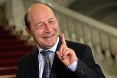 Guvernul României: Învestirea ministrului Bugetului, amânată de Băsescu, fără temei. Nu există prevederi legislative care să oblige la prezenţa primului-ministru