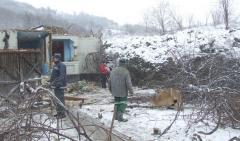 REVOLTĂTOR. După UN AN de la o ALUNECARE DE TEREN, peste 70 de familii sunt încă izolate