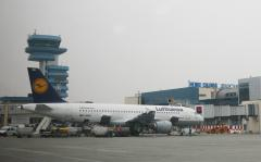 Paza aeroporturilor din Bucureşti este lăsată pe mâna noilor băieți deștepți