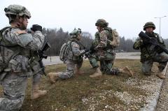 US Army împușcă francul, MApN cumpără de miliarde