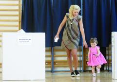 Situaţii ciudate în secţiile de vot cu privire la referendum
