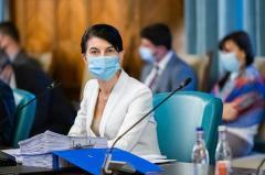 """ALDE: """"Ministrul Muncii Violeta Alexandru este dovada vie a incompetenței actualului Guvern! Nu știe nimic, nu face nimic!"""""""