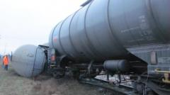 Garda de Mediu, în alertă: O cisternă încărcată cu sodă caustică s-a răsturnat pe câmp, în județul Giurgiu