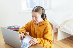15 cursuri noi la ȘcoalaFDVDR, copiii au acces gratuit