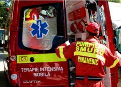 accident grav la congresul pnl scena s a prabusit un delegat a fost ranit si dus pe targa la spital 18761237