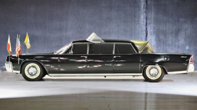 Lincoln Continental Lehmann-Peterson