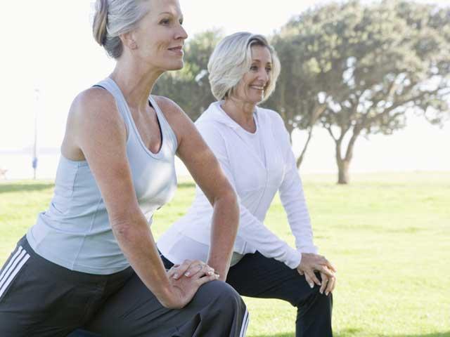 Menopauza: ce este, când se instalează, care sunt simptomele şi cum se tratează