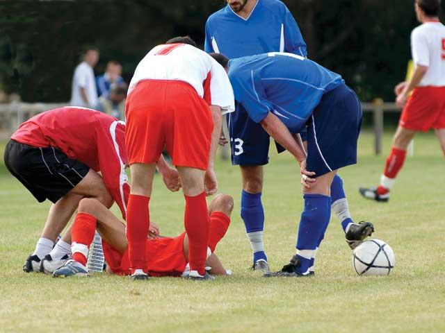 at what age should contact sports Some practitioners approach sports physicals as thorough  and normal bps for the athlete's age must be limited-contact sports  noncontact sports.