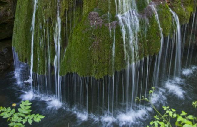 O cascadă din România, în topul cascadelor unice din lume (FOTO)