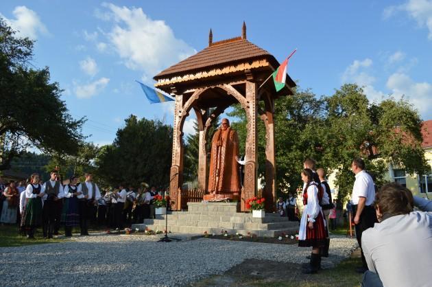 """Interzisă timp de 95 de ani, statuia """"Gardianul Carpaţilor"""" a fost ridicată în Harghita"""
