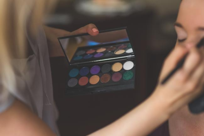 10 Trucuri De Make Up Pentru A Arăta Senzațional La 40 De Ani