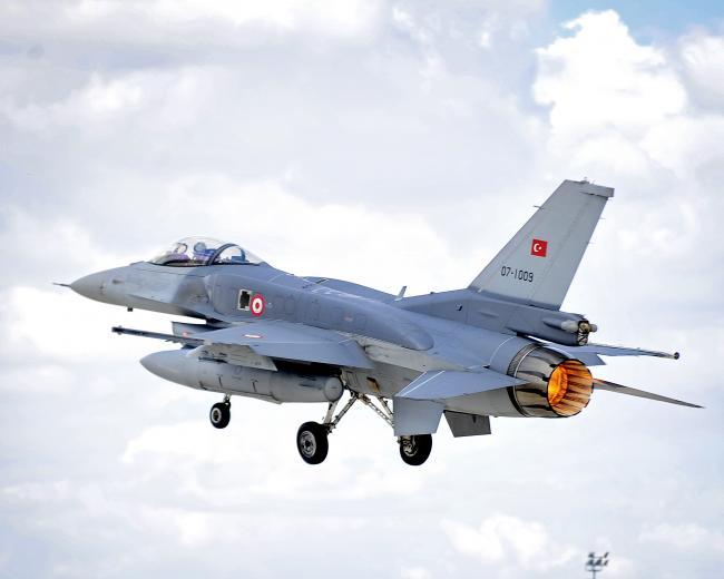 Lovitură de STAT în Turcia. De ce nu a fost DOBORÂT avionul în care se afla Erdogan