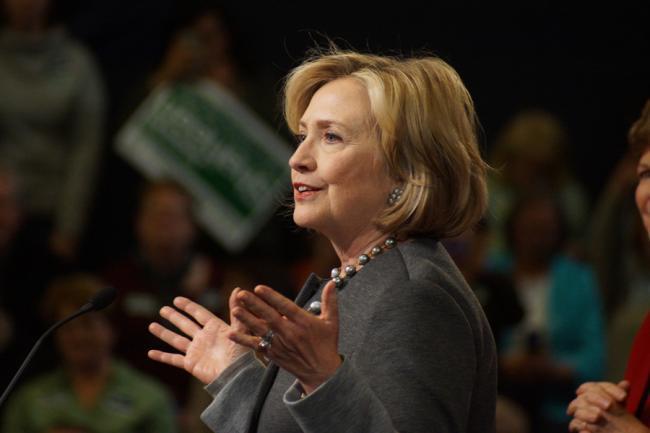 Hillary Clinton consideră 'terifiant' ca Trump să-l prefere pe Putin lui Obama