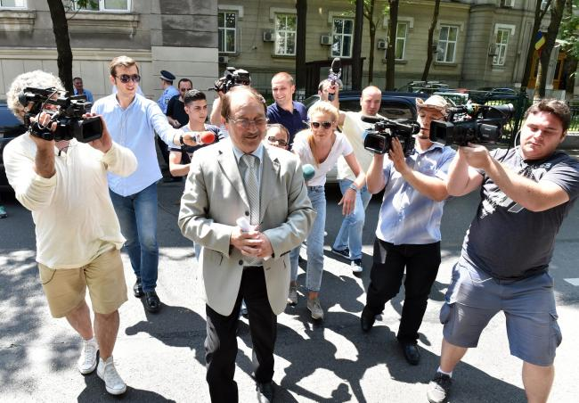 Tupeu: Mircea Băsescu vrea afară după 4 luni de puşcărie