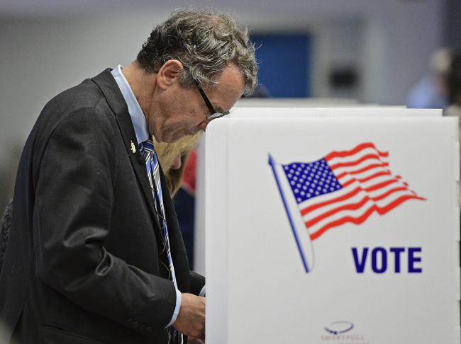 Morții votează și în Statele Unite. Alți americani votează dublu, de ani de zile