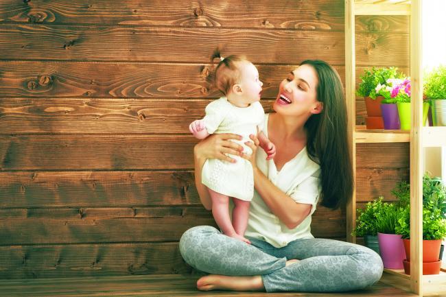 Creierul femeilor se modifica in primii doi ani dupa ce devin mame