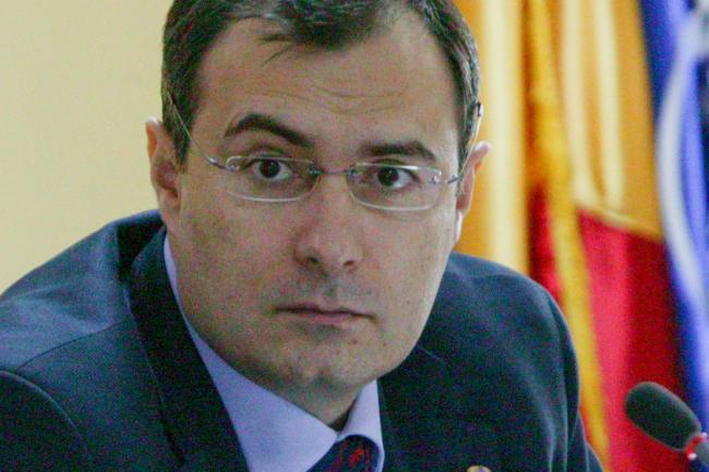 ALERTĂ - Florian Coldea, suspendat din funcţia de prim-adjunct al directorului SRI şi anchetat de o comisie specială
