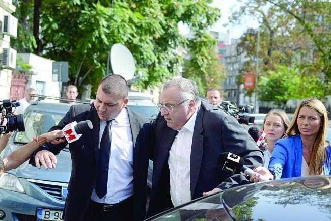 Legiștii au purtat echipament de protecție, la autopsia lui Dan Adamescu