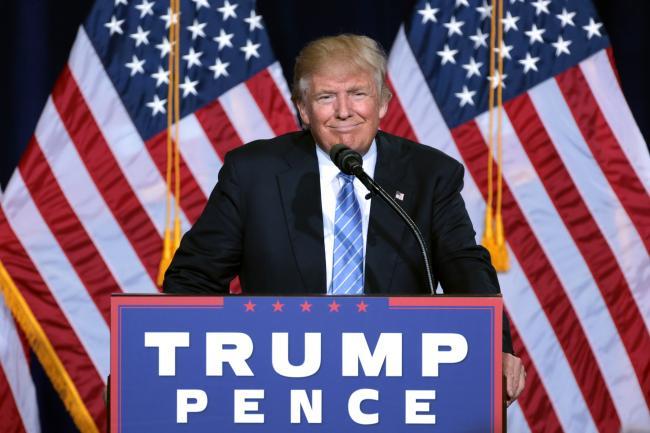 Donald Trump renunță la decretul împotriva imigrației