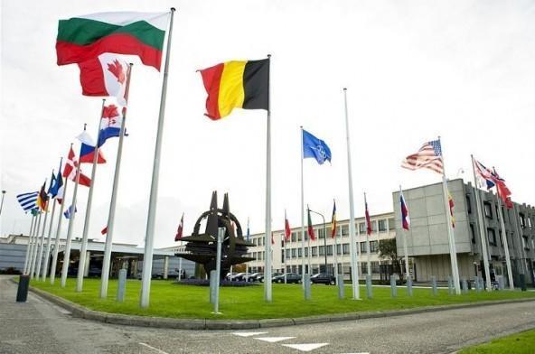 Cetăţenii a patru state membre NATO ar prefera să îi apere Rusia