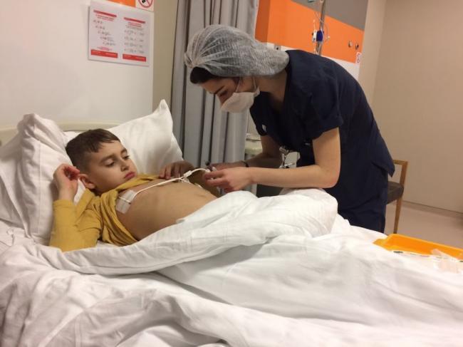 ViaÈ›a unui copil de 11 ani, bolnav de leucemie, poate fi salvata cu un simplu SMS!