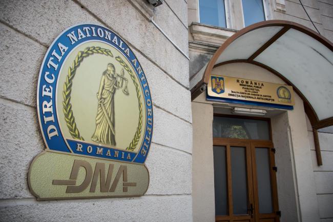 Cât costă un procuror DNA