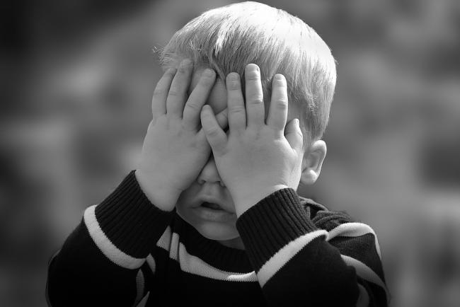 Un important neurochirurg atrage atentia parintilor: Nu zguduiÈ›i copiii!