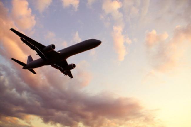 Zeci de zboruri sunt afectate vineri de greva angajaților ROMATSA