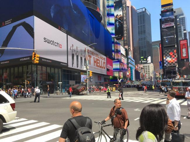 UPDATE - New York, Times Square. O mașină a intrat în plin în pietoni