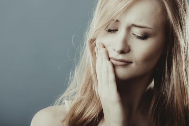4 moduri de a vindeca gingivita. Afla cum sa o combaÈ›i pas cu pas