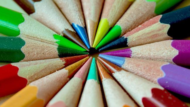 Cum ne influenÈ›eaza culorile viaÈ›a