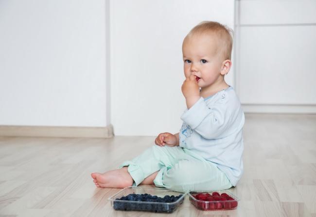 Sucul de fructe nu e indicat pentru copiii sub un an