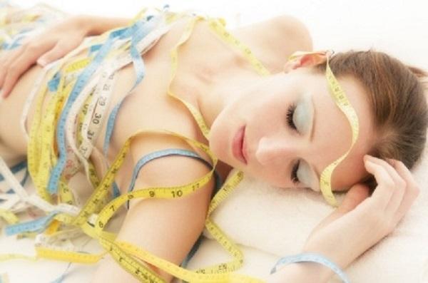Diete sanatoase. Cum sa slabeÈ™ti È™i sa detoxifici organismul in somn
