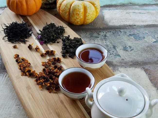 Ceaiul negru, alternativa perfecta pentru cafea