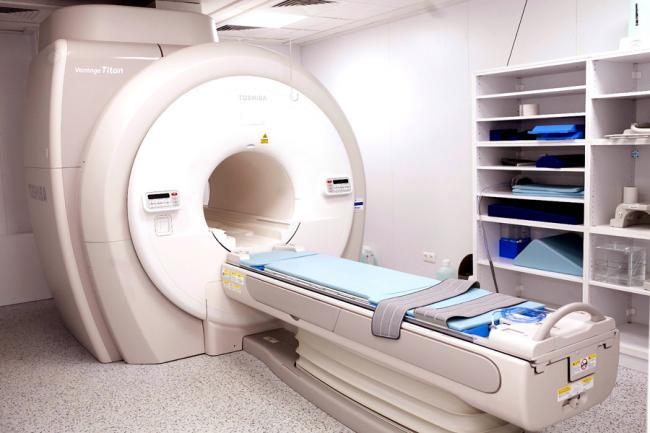 RMN, o metoda de investigare medicala neinvaziva si neiradianta, de foarte mare precizie, utilizata in diagnosticarea pacientilor de la Spitalul Clinic Judetean de Urgenta  Ilfov