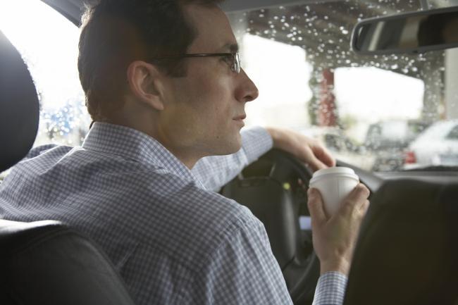 Minunile Comisiei de Handicap: orbi care vad sa conduca