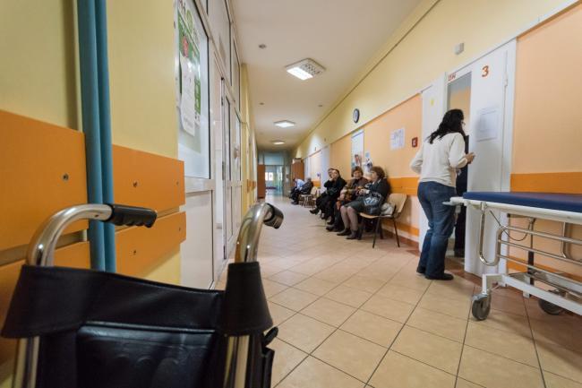 Mizeria din spitale, curatata cu... pliante de la Minister