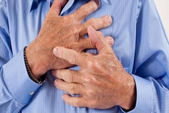 Cum sa rezisti unui atac de cord, atunci cand esti singur. Sfaturi de prim ajutor, care iti pot asigura supravietuirea