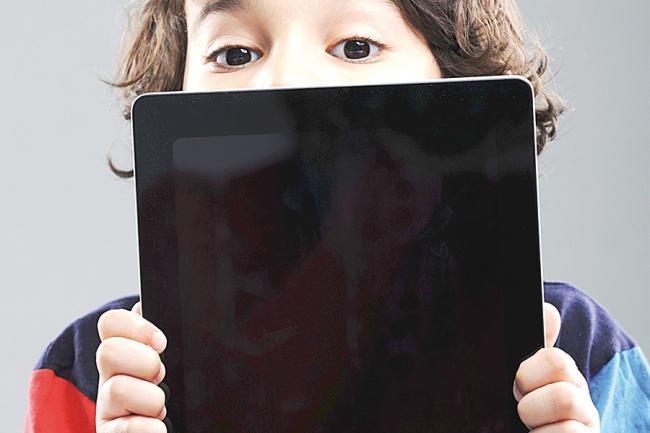 Copilul È™i televizorul. Recomandarile pediatrilor americani