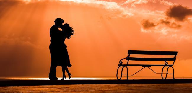 ExplicaÈ›iile psihologului: Fericirea EXISTÄ' intr-o relatie! Iata cele 5 secrete!