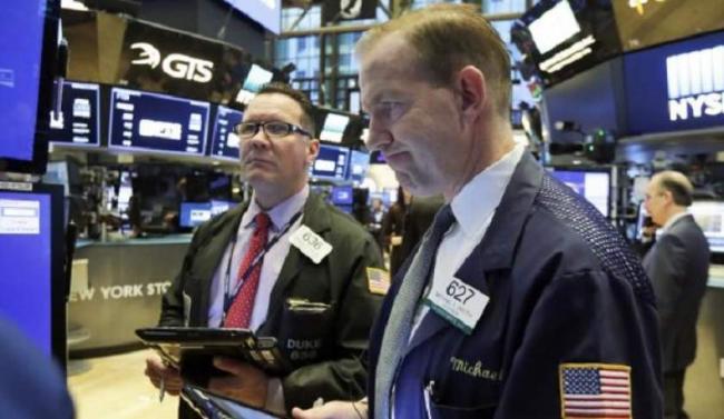 Semnele unei noi crize financiare? Panica pe Wall Street!
