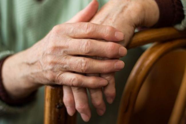 Neglijarea afectiunilor reumatice poate duce la aparitia altor boli. Afla ce riÈ™ti daca nu tratezi reumatismul