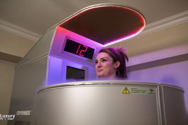 Diana Enache iÈ™i tonifica pielea la temperaturi de -180 grade