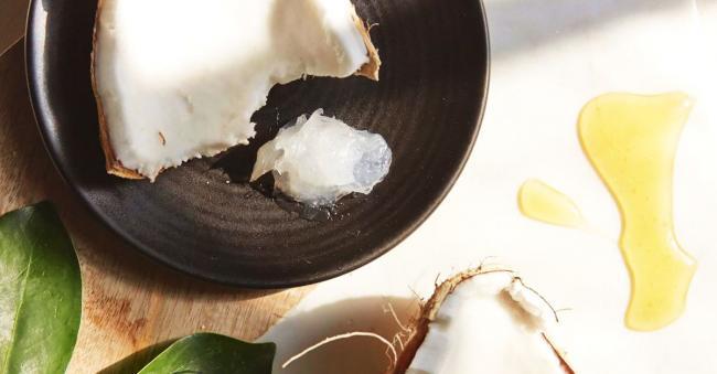(P) De ce orice om are nevoie de ulei de cocos in casa